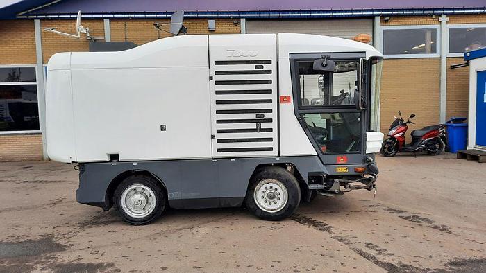 Gebruikt 2010 Ravo 530 ST