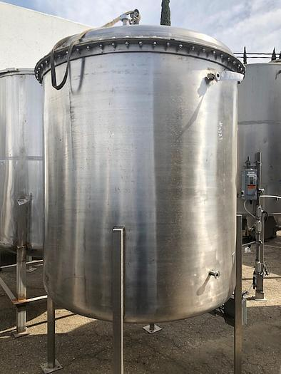 1,000 Gallon Vertical Stainless Steel Tank