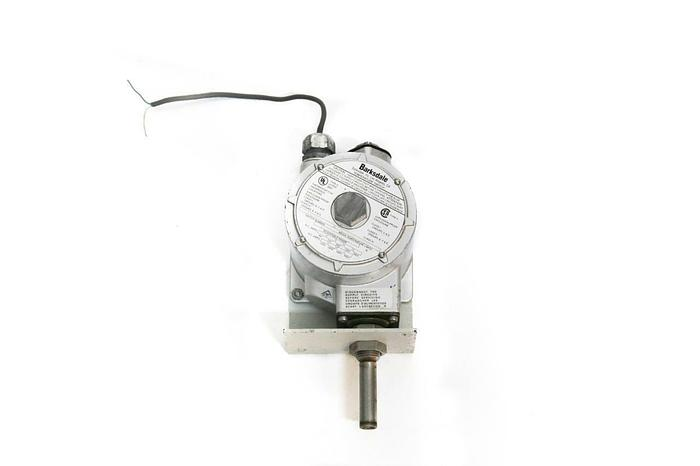 Used Barksdale Temperature Switch L1X-H351S Single Setting Explosion Proof (4443)