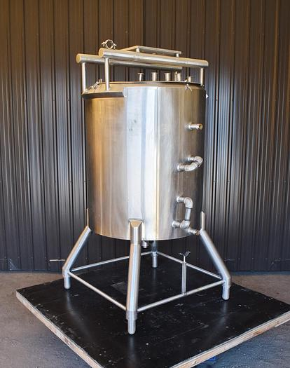 Used USED 175 GALLON JACKETED TANK, 304 STAINLESS STEEL
