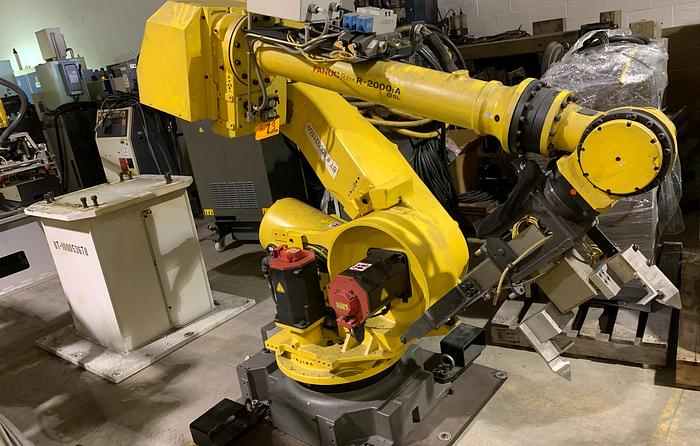 Used FANUC R2000iA/125L 6 AXIS CNC ROBOTS WITH RJ3iB CONTROLLERS