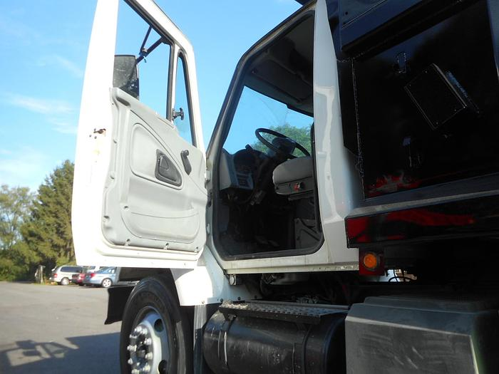 2004 International 7400- Stock #: 4909B