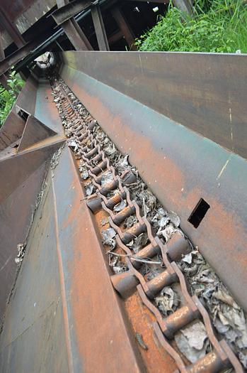 Used Log haul conveyor, h132 chain with flites,70ft log trough conveyor