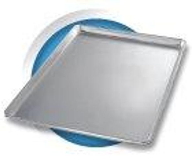 ALUMINIZED STEEL THREE QUARTER-SIZED SHEET PANS