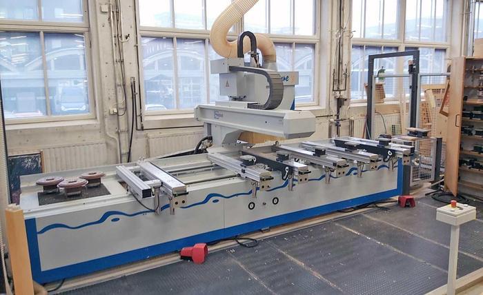 2004 WEEKE CNC machine center Weeke Venture 3- 4 Axis