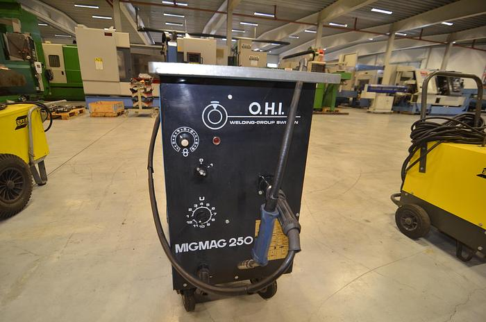 Used D52 - WELDING MACHINE - OHI MIG MAG 250