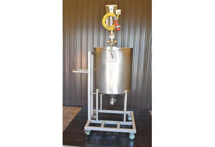 USED 100 GALLON STAINLESS STEEL TANK WITH CLAMP ON ROTOSOLVER