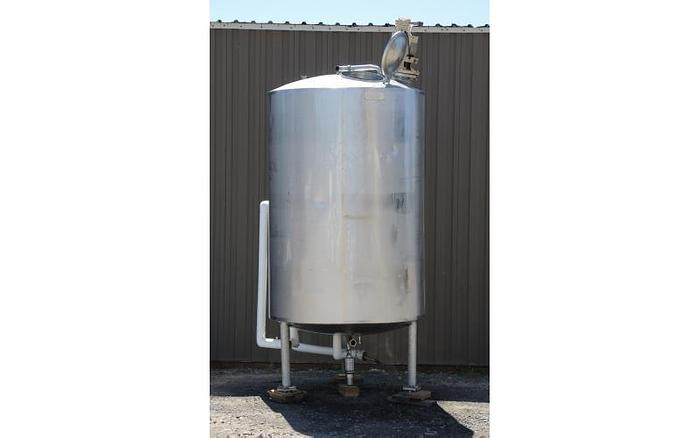 Used USED 1100 GALLON JACKETED TANK, STAINLESS STEEL, SANITARY, WITH HYDRAULIC MIXER