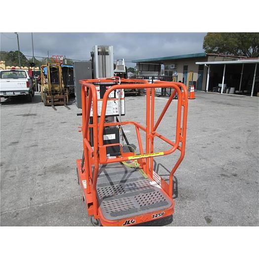 2000 JLG Model SP15 Personnel Man Lift