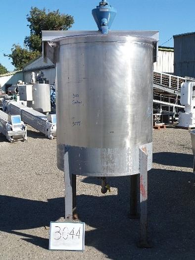 300 Gallon Vertical Stainless Steel Tank with Mixer #3044