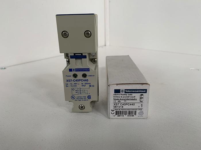 Telemecanique XS7C40PC440