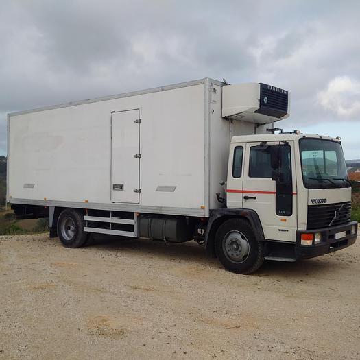1995 VOLVO FL615 210 refrigerated