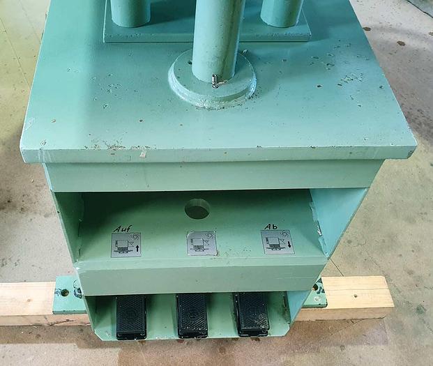 1999 Raimann Weinig Group  knotholes machine with minispot