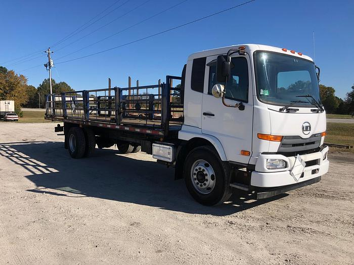 2011 UD Truck 3300