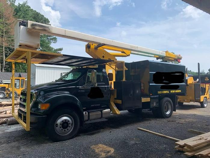 Used 2008 Ford F750 bucket truck