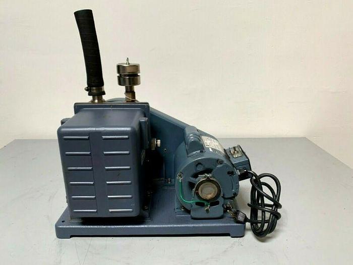 Used Welch 1402B-01 DuoSeal Rotary Vane Vacuum Pump