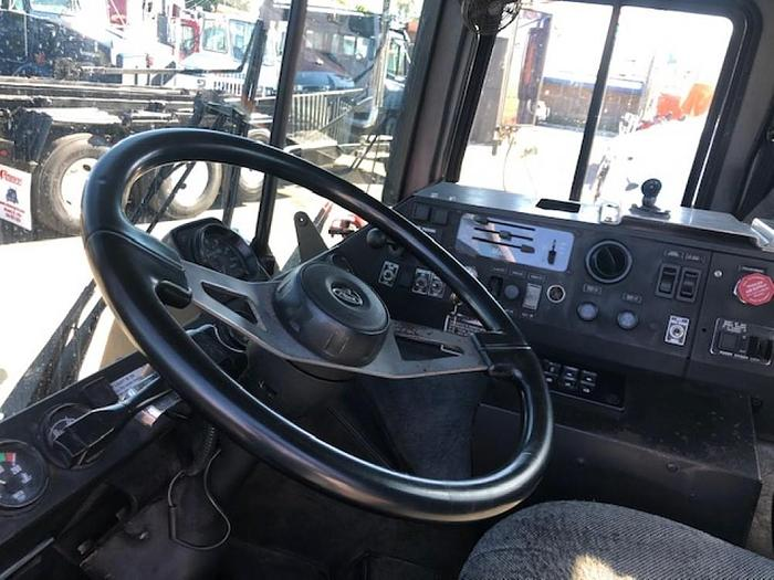 1999 MACK MR688S DAYCAB TRUCK