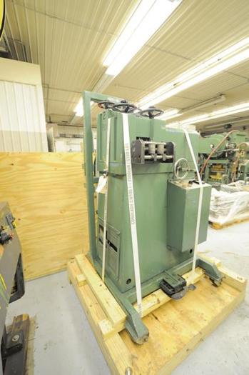 BRUDERER MODEL 24 320 DOUBLE STRAIGHTENER/LEVELLING MACHINE