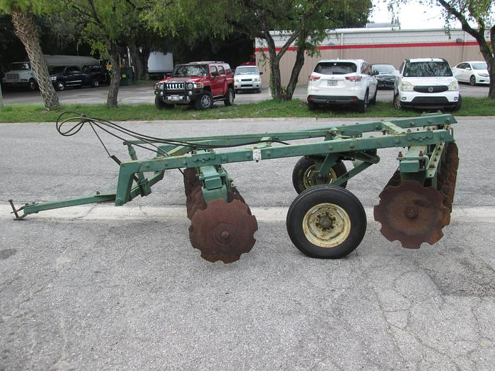 Used Pull Type Offset Disc Harrow 8' Wide Cut