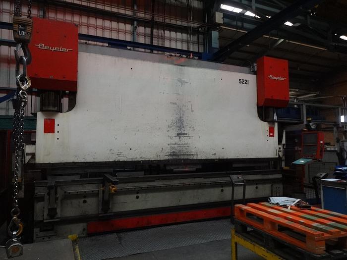 Utilisé Presse plieuse CNC marque BEYELER