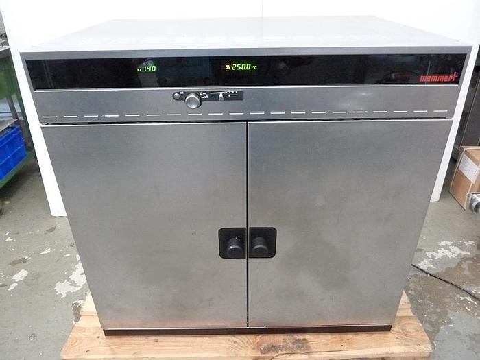 Used E 15156 E - Universal Drying Oven MEMMERT UNE 600