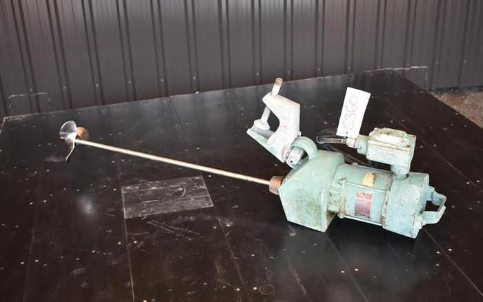 Used USED LIGHTNIN ND-1 CLAMP-ON MIXER, 0.3 HP