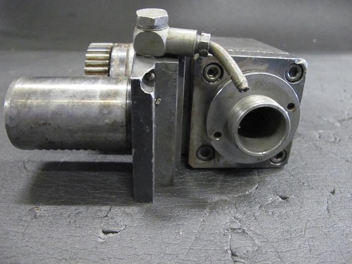 Angetriebenes Werkzeug VDI 40 Werkzeugaufnahme Traub 724 735