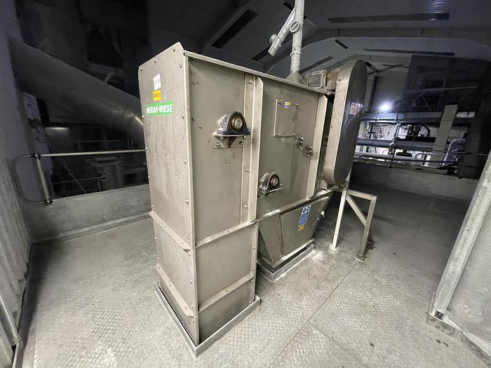 Used NERAK-WIESE NNP Bucket Elevator Conveyor