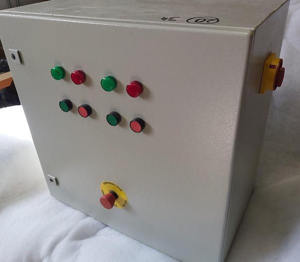 Stromversorgungsschrank mit Absicherung 400V, 20A,  neu