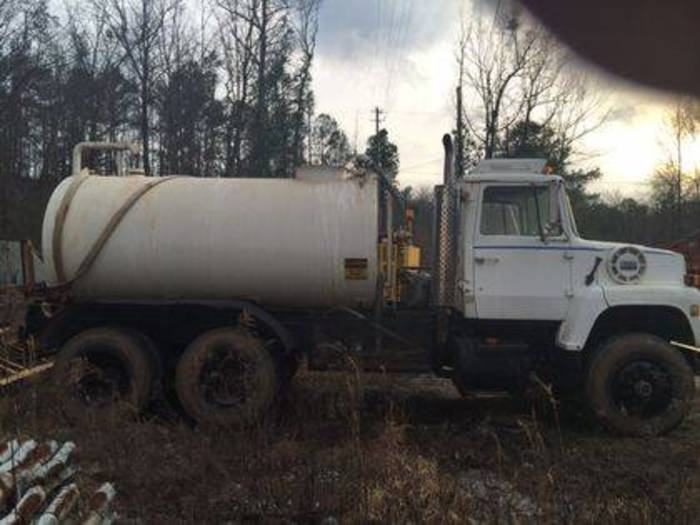 1982 Ford F8000