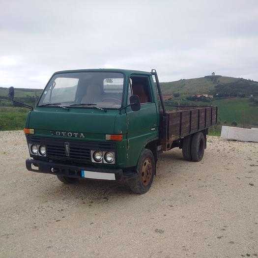 1980 TOYOTA Dyna BU30 300 on 6 studs truck