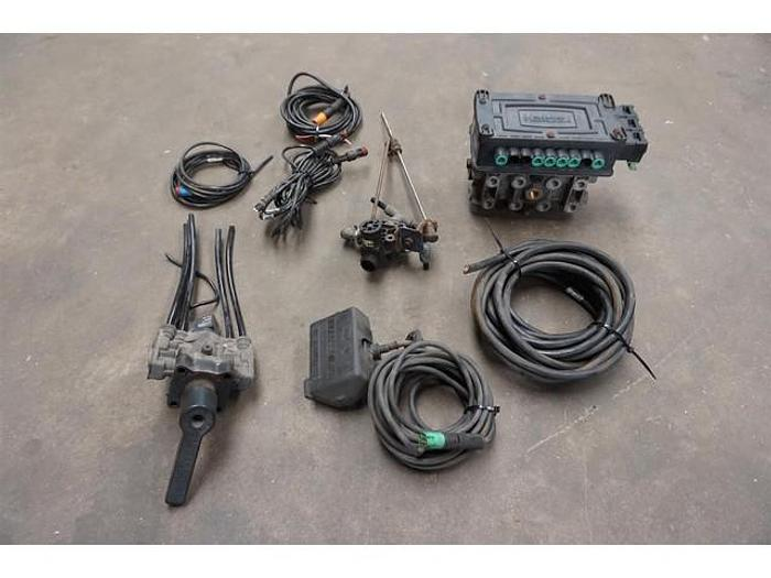 Used HALDEX PA66-MD40 1991216 ABS MODULATOR 820007001