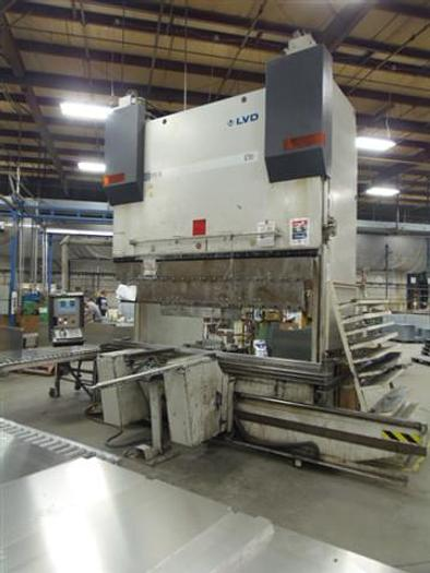"LVD Model PPEB 170/30, 187 ton x 120"" O.A., 102"" BET., 9 AXIS CNC Hydraulic Press Brake, 2001 5215"