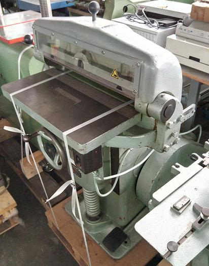 Tränklein Buchrückenrundemaschine