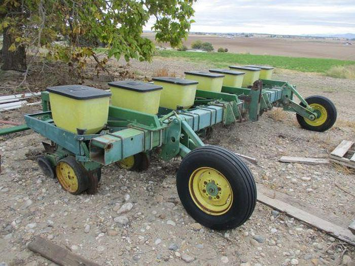 Used 7R30 John Deere 7100 Pick Planter