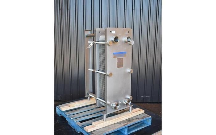 Used USED MUELLER SANITARY PLATE HEAT EXCHANGER, 136 SQ.FT.
