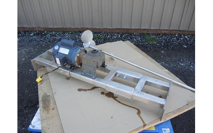 USED TOP ENTRY MIXER, 1 HP, WITH STAINLESS STEEL BRIDGE