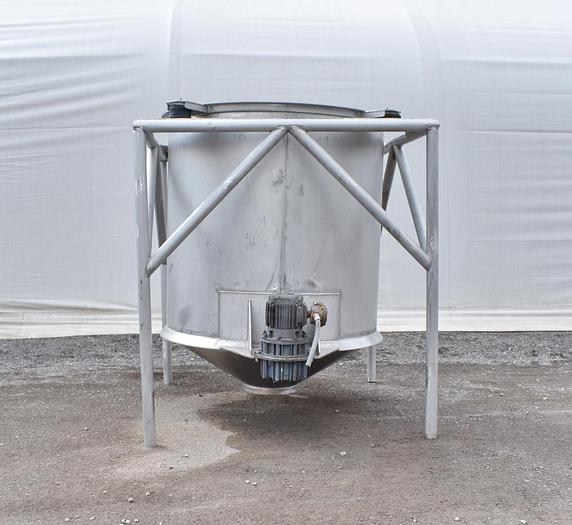 Used USED 750 GALLON TANK, STAINLESS STEEL WITH LIVE BOTTOM