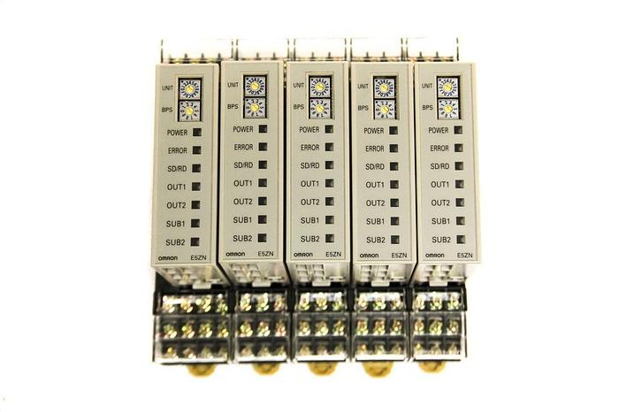 Used Omron E5ZN-2QNH03TC-FLK Temperature Controller x5 & Communication Terminal (5232