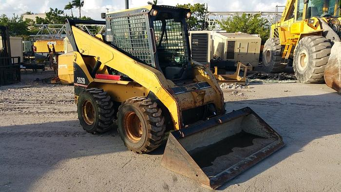 Used 2005 CATERPILLAR 262B