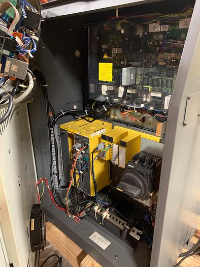 FANUC R2000iA/200FO 200KG X 2650MM 6 AXIS CNC ROBOT W/RJ3IB CONTROLS