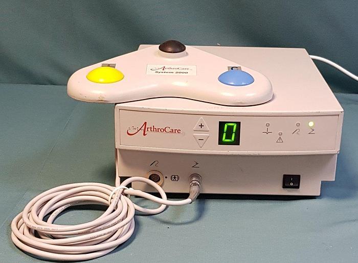 Gebraucht Arthrocare System 2000 Arthroskopisches Elektrochirurgisches System mit Fußschalter
