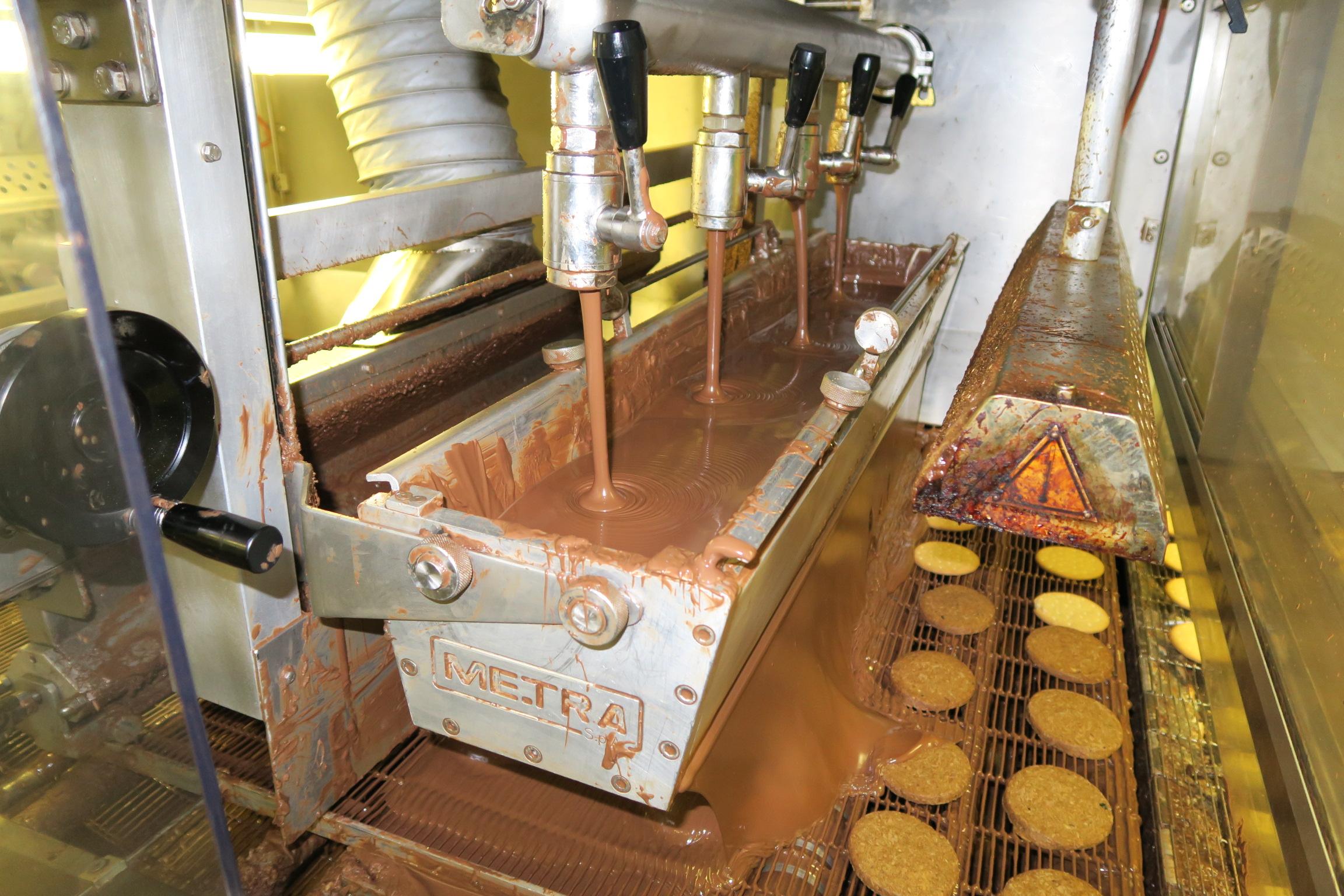 850mm wide Chocolate Enrobing Line