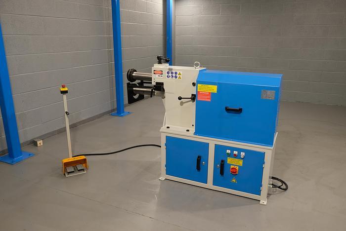 2.5 mm capacity swaging machine