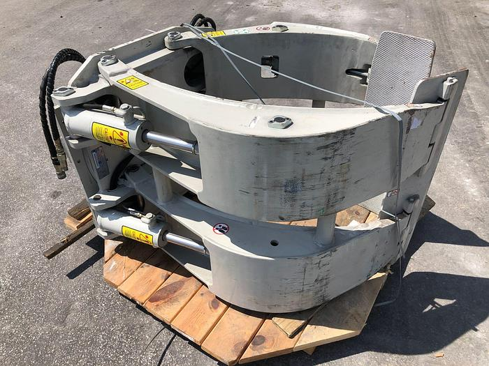 """Used 60"""" CASCADE PAPER ROLL CLAMP MODEL 45F-RCP-314"""