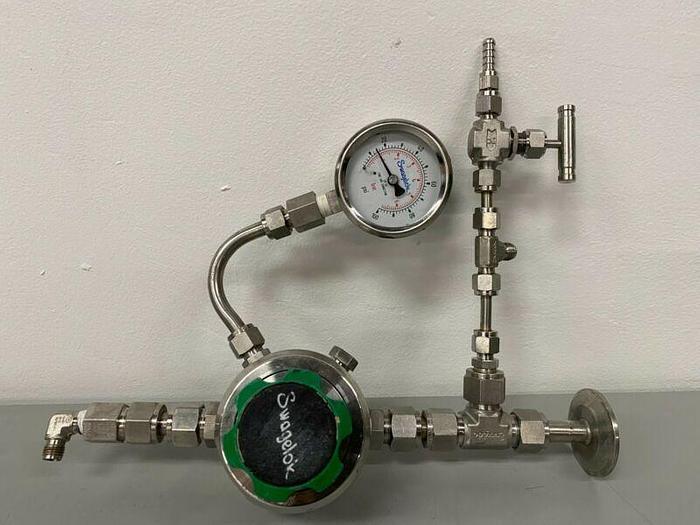 Used Swagelok KHF1FJF818A20000 Pressure Regulator w/ Pressure Gauge & Fittings