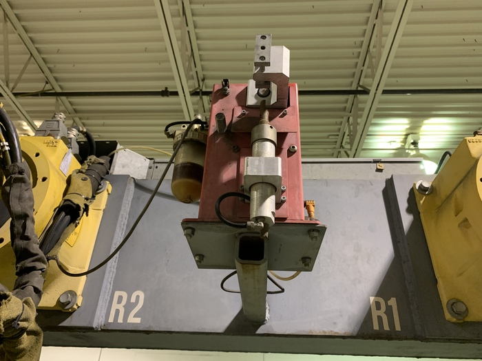 TEC WELD ROBOTIC DUAL TRUNION WELDING CELL WITH 2 FANUC ARCMATE 120iB'S