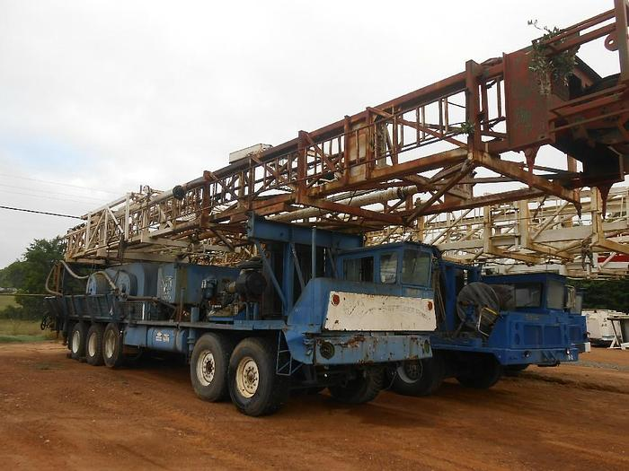 Used CRANE CARRIER RIG
