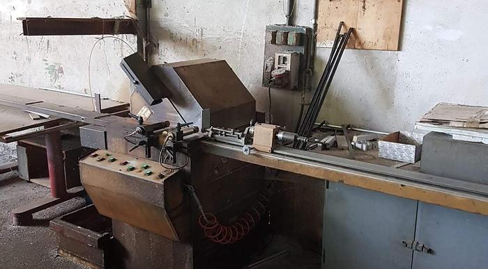 Usata Macchinari lavorazione infissi in alluminio