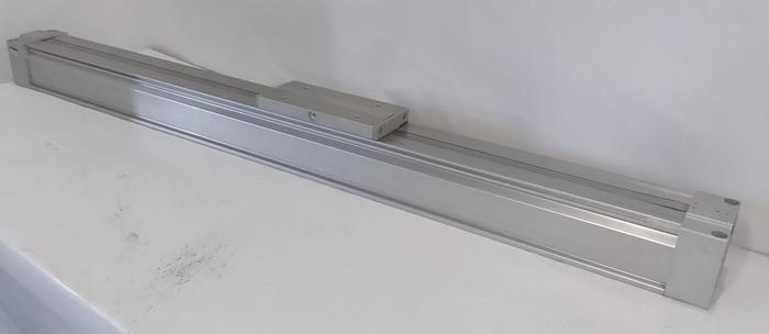 Kolbenstangenloser Bandzylinder, Linearführung MY1B63G-900, SMC,  neuwertig